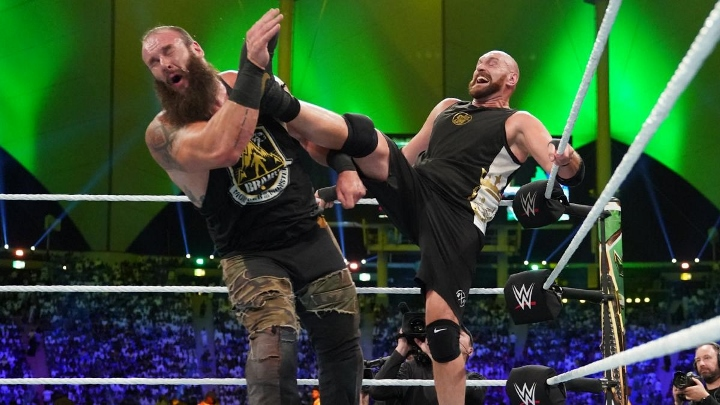 Title Changes Hands On WWE SmackDown (SPOILERS)