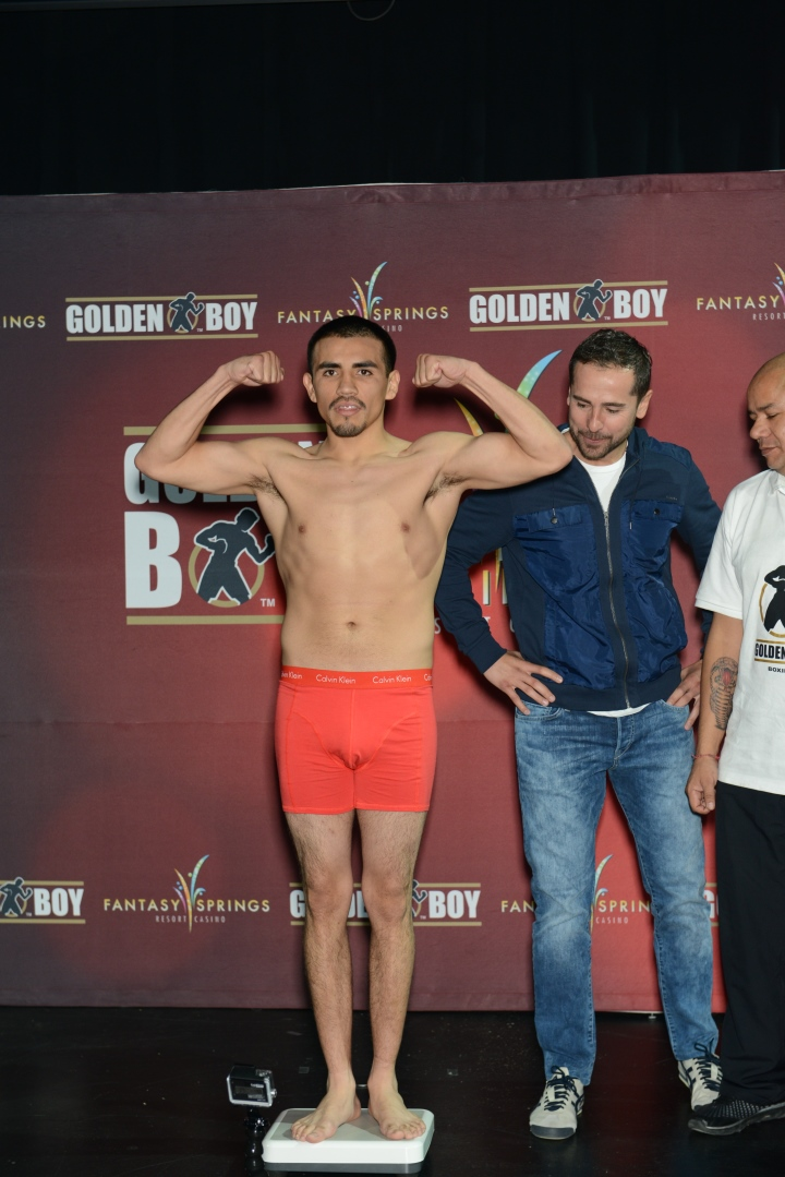 golden-boy-weigh-in-2416_24821880895_o