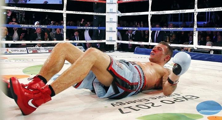 http://photo.boxingscene.com/uploads/golovkin-murray%20(18).jpg