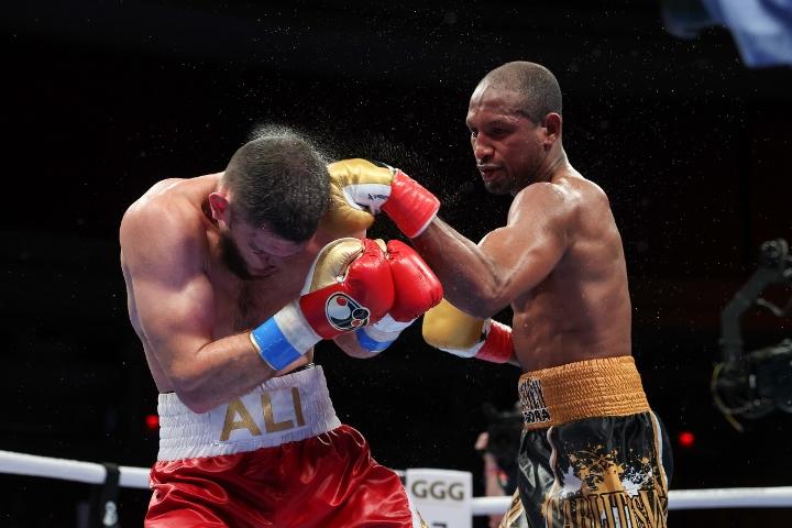 gongora-akhmedov-fight (36)