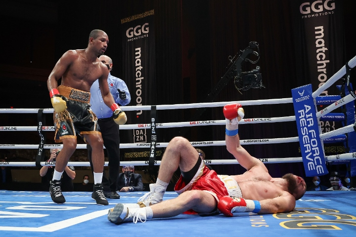 gongora-akhmedov-fight (39)