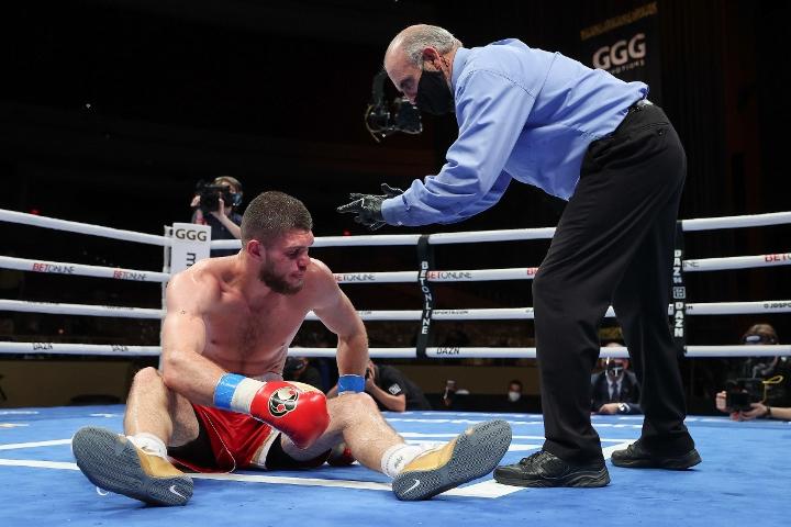 gongora-akhmedov-fight (46)