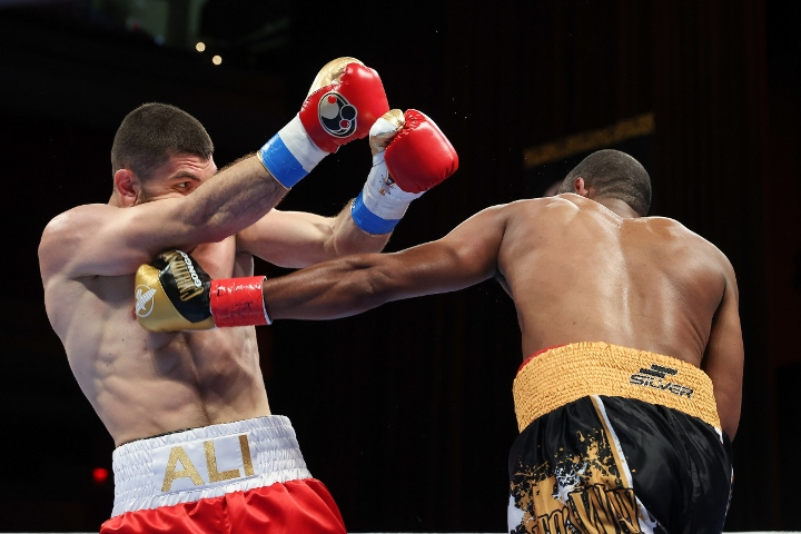 gongora-akhmedov-fight (53)