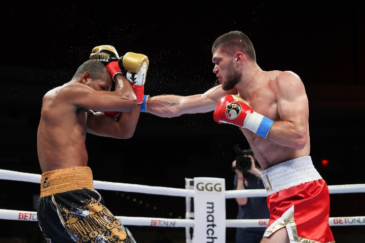 gongora-akhmedov-fight (66)
