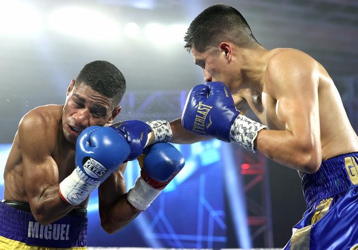 gonzalez-marriaga-fight (7)