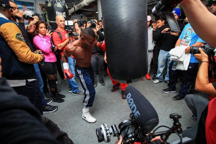 http://photo.boxingscene.com/uploads/guillermo-rigondeaux%20(6)_1.jpg