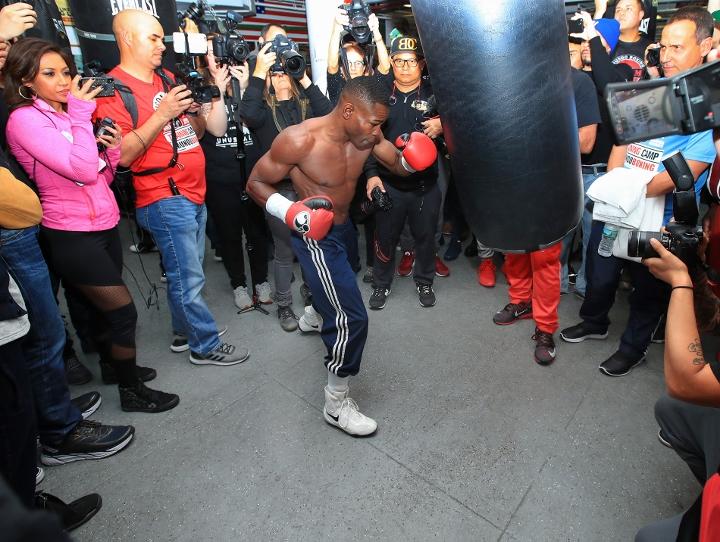 http://photo.boxingscene.com/uploads/guillermo-rigondeaux%20(7)_3.jpg
