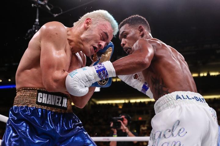 jacobs-chavez-jr-fight (12)