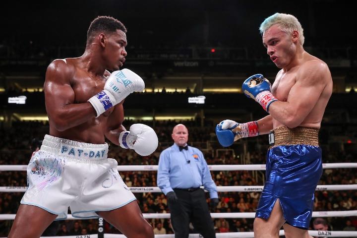 jacobs-chavez-jr-fight (13)