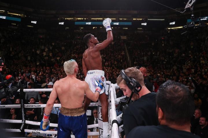 jacobs-chavez-jr-fight (14)