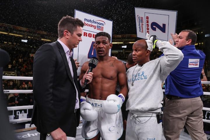 jacobs-chavez-jr-fight (20)