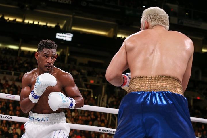 jacobs-chavez-jr-fight (21)