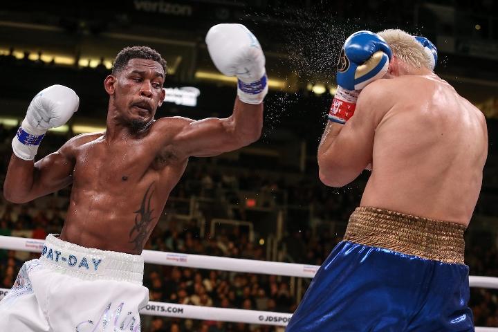 jacobs-chavez-jr-fight (28)