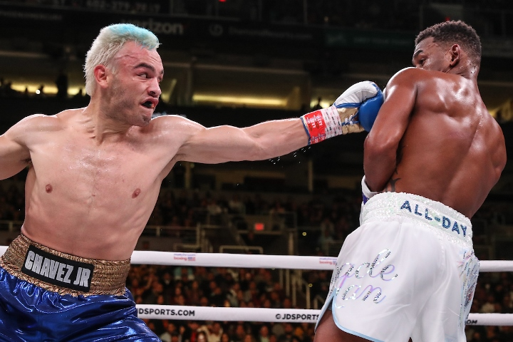 jacobs-chavez-jr-fight (3)