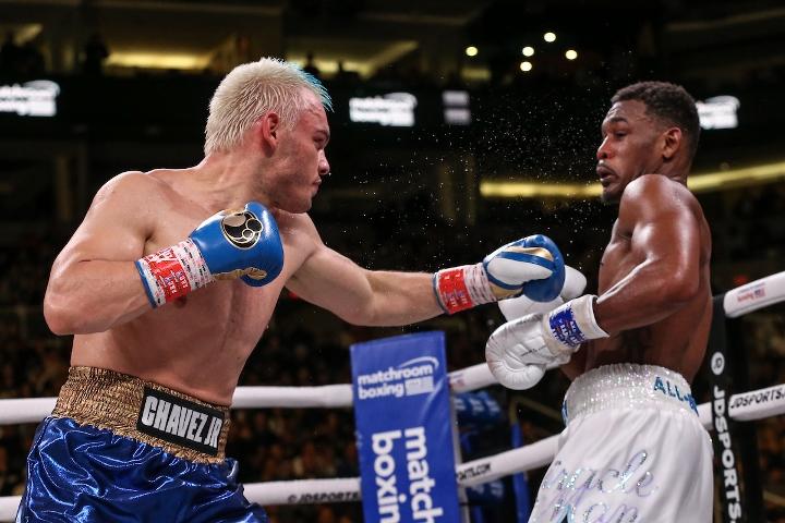 jacobs-chavez-jr-fight (30)
