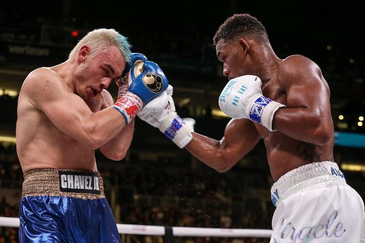 jacobs-chavez-jr-fight (31)