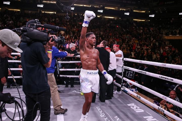 jacobs-chavez-jr-fight (39)