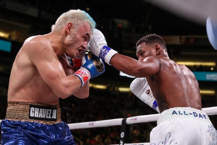 jacobs-chavez-jr-fight (6)
