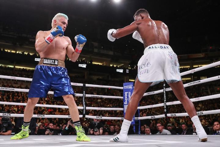 jacobs-chavez-jr-fight (7)