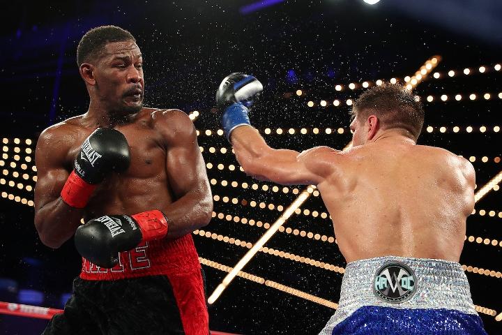 jacobs-derevyanchenko-fight (19)