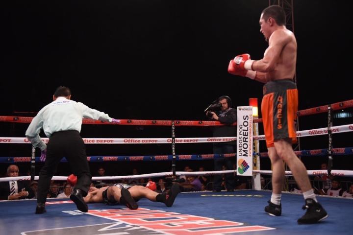 Carlos Jimenez Knocks Out Pedro Campa in Shocker - Boxing News
