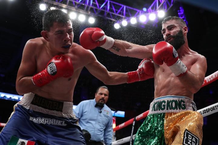 jono-carroll-valenzuela-fight (16)