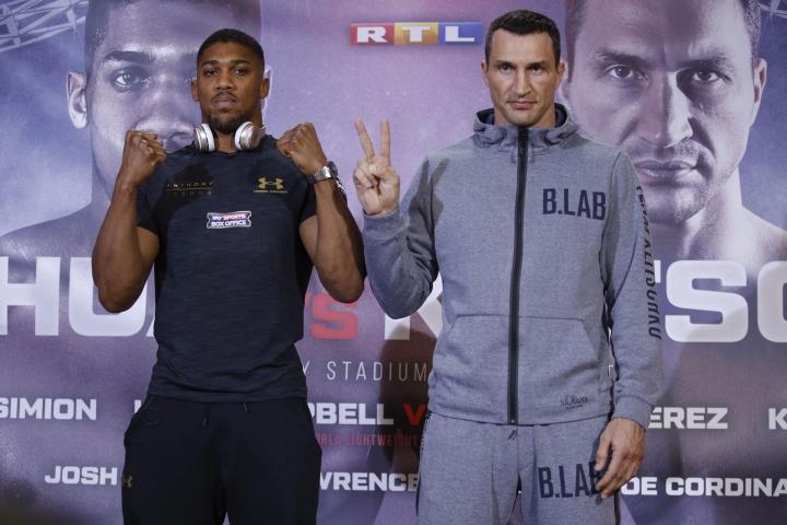 https://photo.boxingscene.com/uploads/joshua-klitschko-presser%20(12).jpg