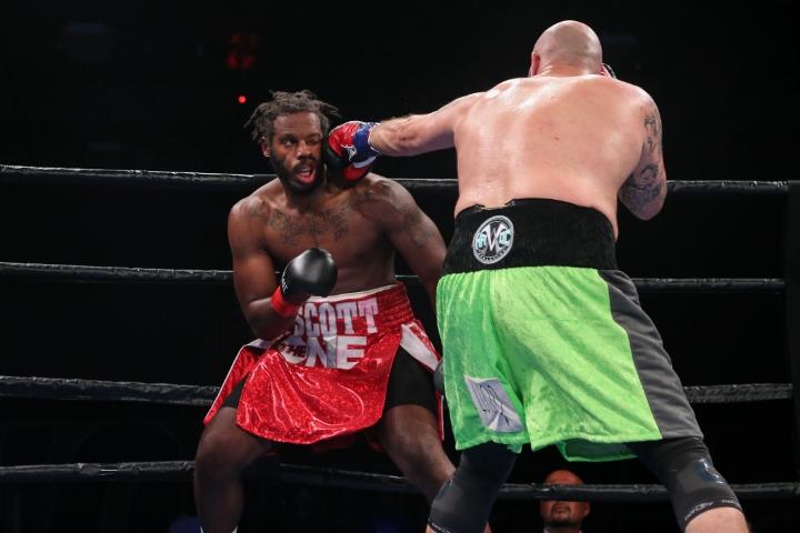kauffman-alexander-fight (21)