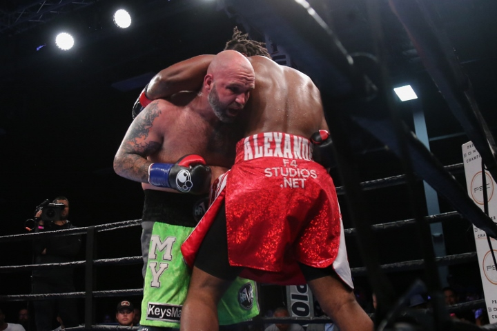 kauffman-alexander-fight (7)