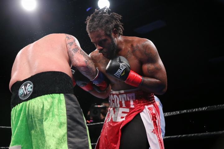kauffman-alexander-fight (8)