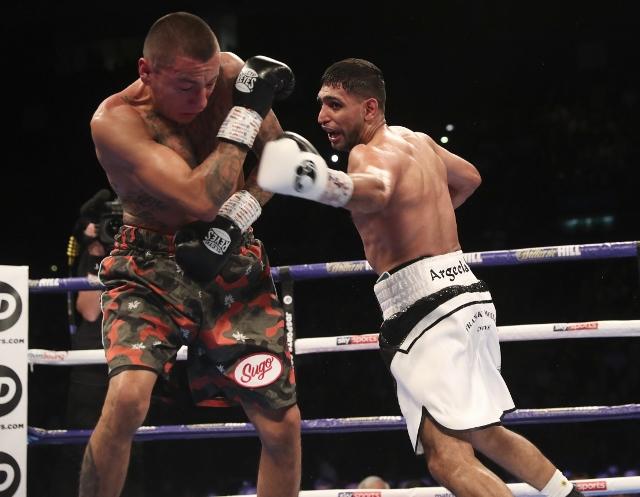 khan-vargas-fight (13)