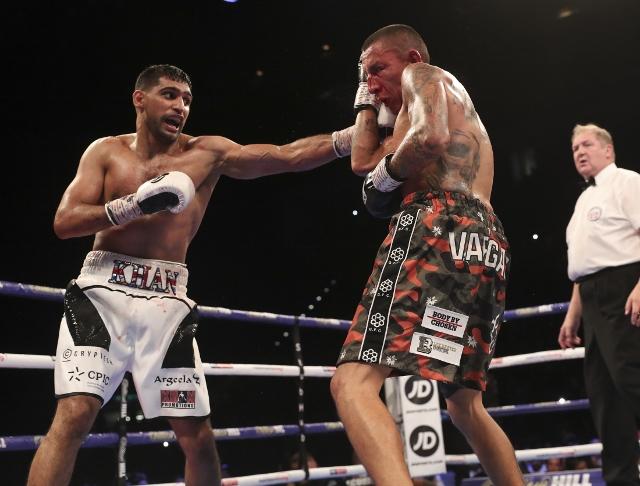 khan-vargas-fight (17)