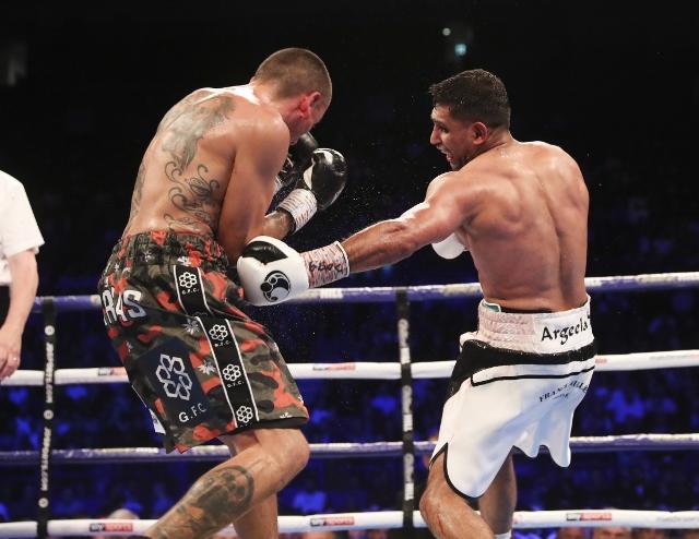 khan-vargas-fight (24)