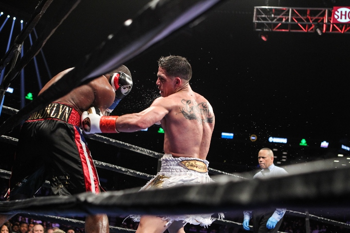 lara-castano-fight (12)