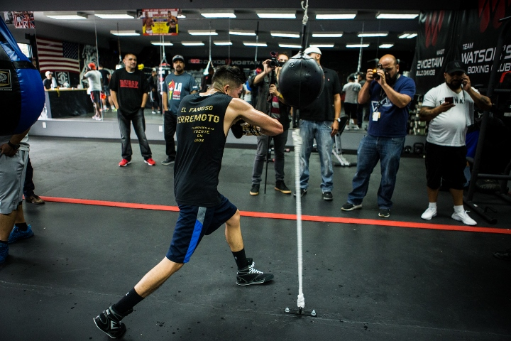 Photos: Leo Santa Cruz Putting in Work For Chris Avalos Fight