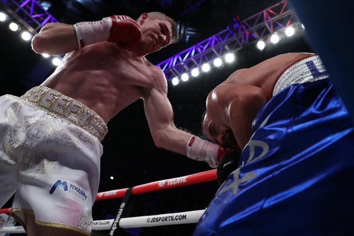 liam-smith-lozano-fight (13)