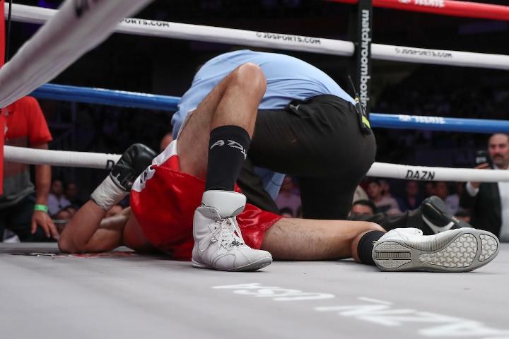 liam-smith-lozano-fight (18)