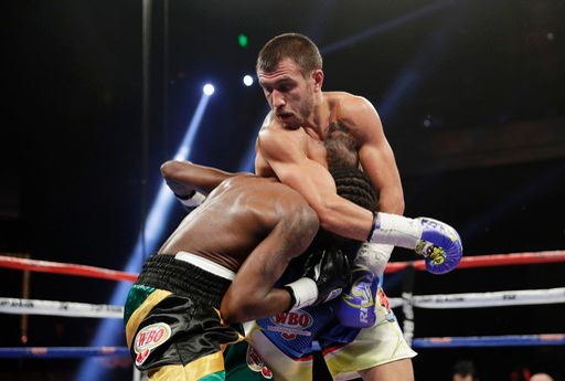 lomachenko-walters-fight (2)