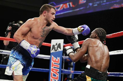 lomachenko-walters-fight (3)