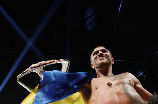 lomachenko-walters-fight (4)