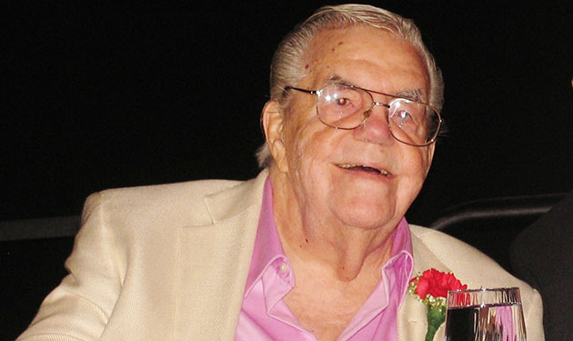 lou duva hall of fame trainer passes away at age 94 boxing news