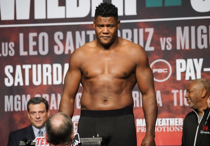 Luis Ortiz Stops Injured Alexander Flores 45 Seconds Into FOX Main Event -  Boxing News