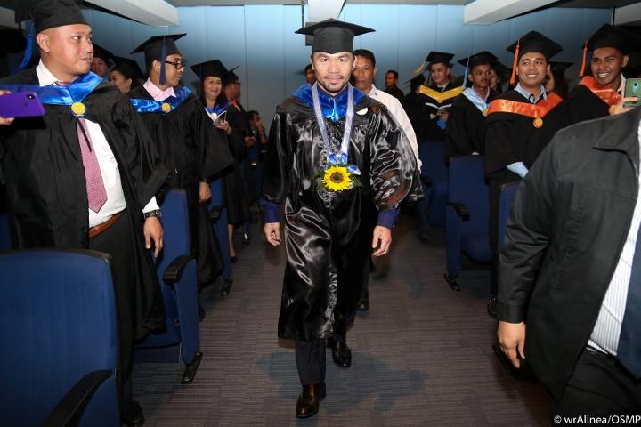 manny-pacquiao-graduation (1)