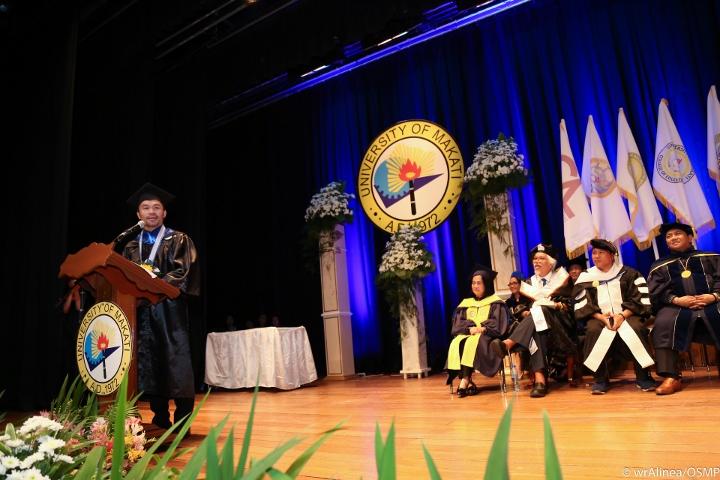 manny-pacquiao-graduation (8)