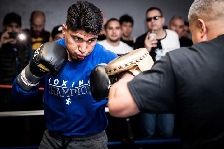 Garcia dethrones Lipinets for world title in fourth weight class