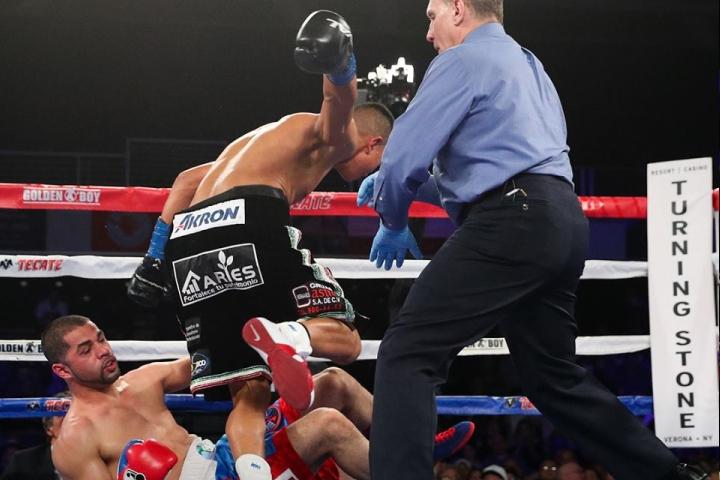 munguia-ali-fight (2)