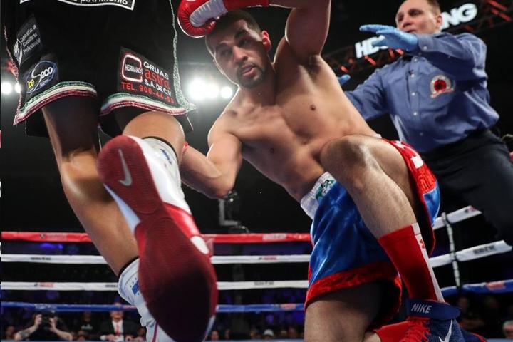 munguia-ali-fight (3)