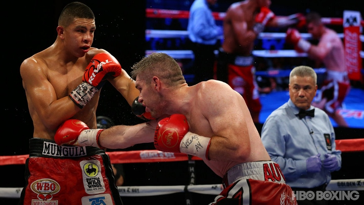 munguia-smith-fight (22)