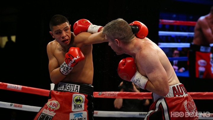 munguia-smith-fight (4)