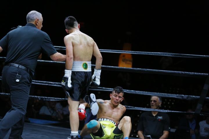 nyambayar-escandon-fight (7)